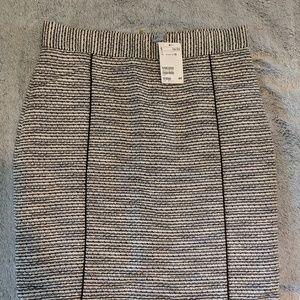 Zip back pencil skirt